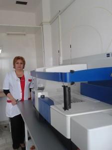 """Заедно с новата апаратура, в лабораторията се обновяват и работните места в  секторите на """"Здраве"""""""