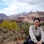 Българка работи като доброволец в  библиотеката в Ориндж, Калифорния