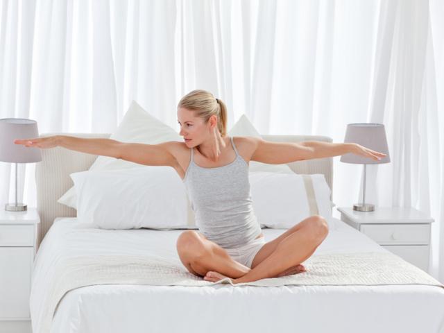 """Photo of """"Мързеливи"""" упражнения в леглото"""