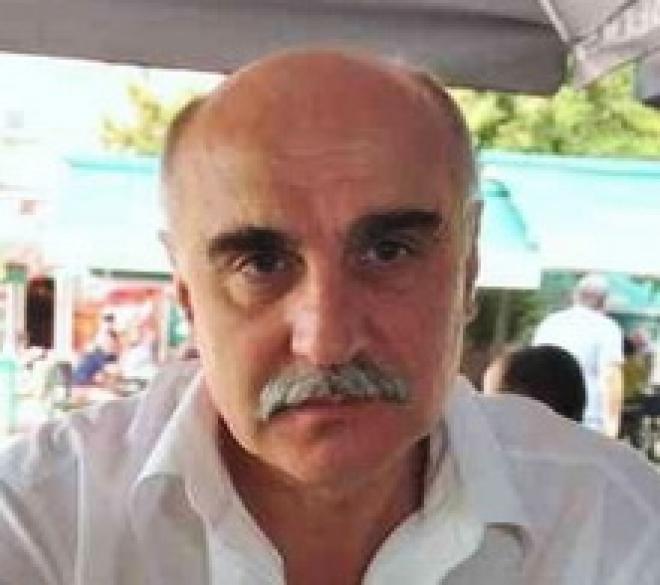 Photo of Доц. д-р Йордан Панов ще консултира русенските неврохирурзи