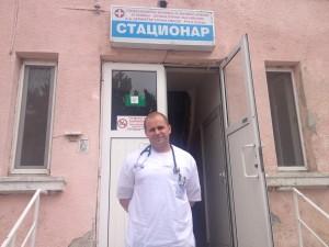 Д-р Николай Евгениев  признава, че за шест години в белодробната болница нито веднъж не е отишъл без желание на работа