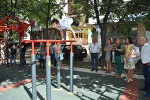 Кметът Пламен Стоилов откри първата площадка за стрийт фитнес в Русе.