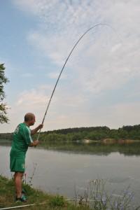 Кметът все по-рядко намира време за риболов