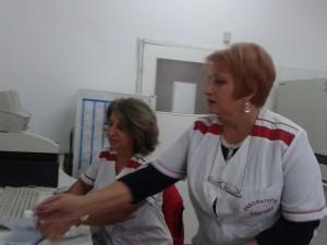 Д-р Розина Мирчева, вдясно, е убедена, че масовият имунофон влияе положително на общественото здраве, за да не се стига до грипна пандемия