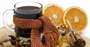 Греяно вино се приготвя с канела и лимон