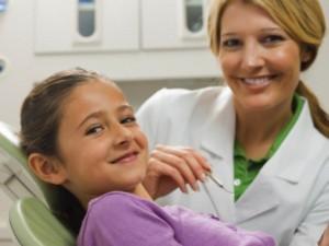 В рамките на Националната програма за профилактика на оралните заболявания при децата стартира Кампанията за поставяне на силанти (силанизиране на зъби) на деца от 6 до 8 годишна възраст.