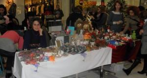 Коледен базар набира средства за деца и семейства в риск