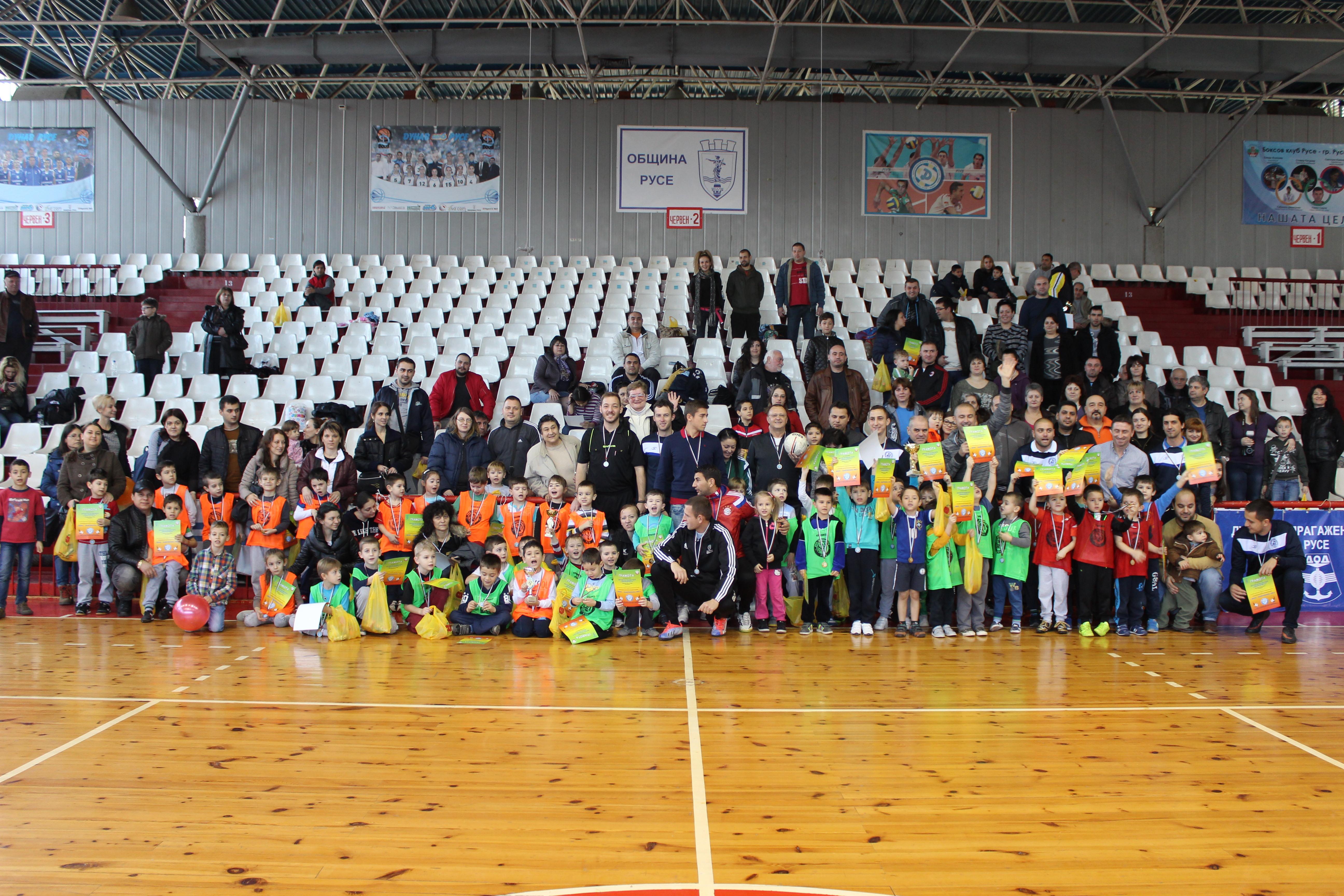 Photo of Мини шампионска лига по футбол привлече над 200 деца