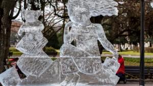 """Ледената скулптура """"Силата на мечтите"""" първа на АЙС ФЕСТ 2015."""