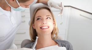 Добра новина за тези, които се страхуват от инструментите на зъболекаря: ново изследване показва, че подход, в който не се използват зъболекарски инструменти може да спре кариес в много случаи.