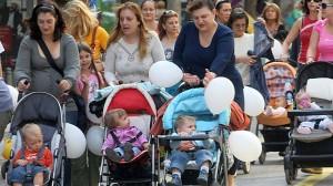 Този четвъртък в Русе от 11:00 ще се проведе Национален протест на родителите за увеличаване на майчинството и детските надбавки.