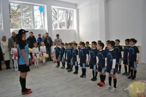 80 дракончета тренират футбол в нов физкултурен салон в Русе