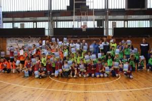 """Над 250 деца играха футбол за купата на футболен клуб """"Дунав"""""""