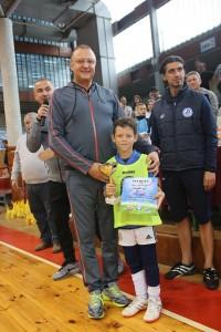 Пламен Нунев връчи купата на победителите