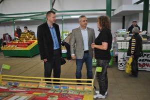 """Великденският пазар е организиран от управителя на """"Общински пазари"""" Кунчо Кунчев"""
