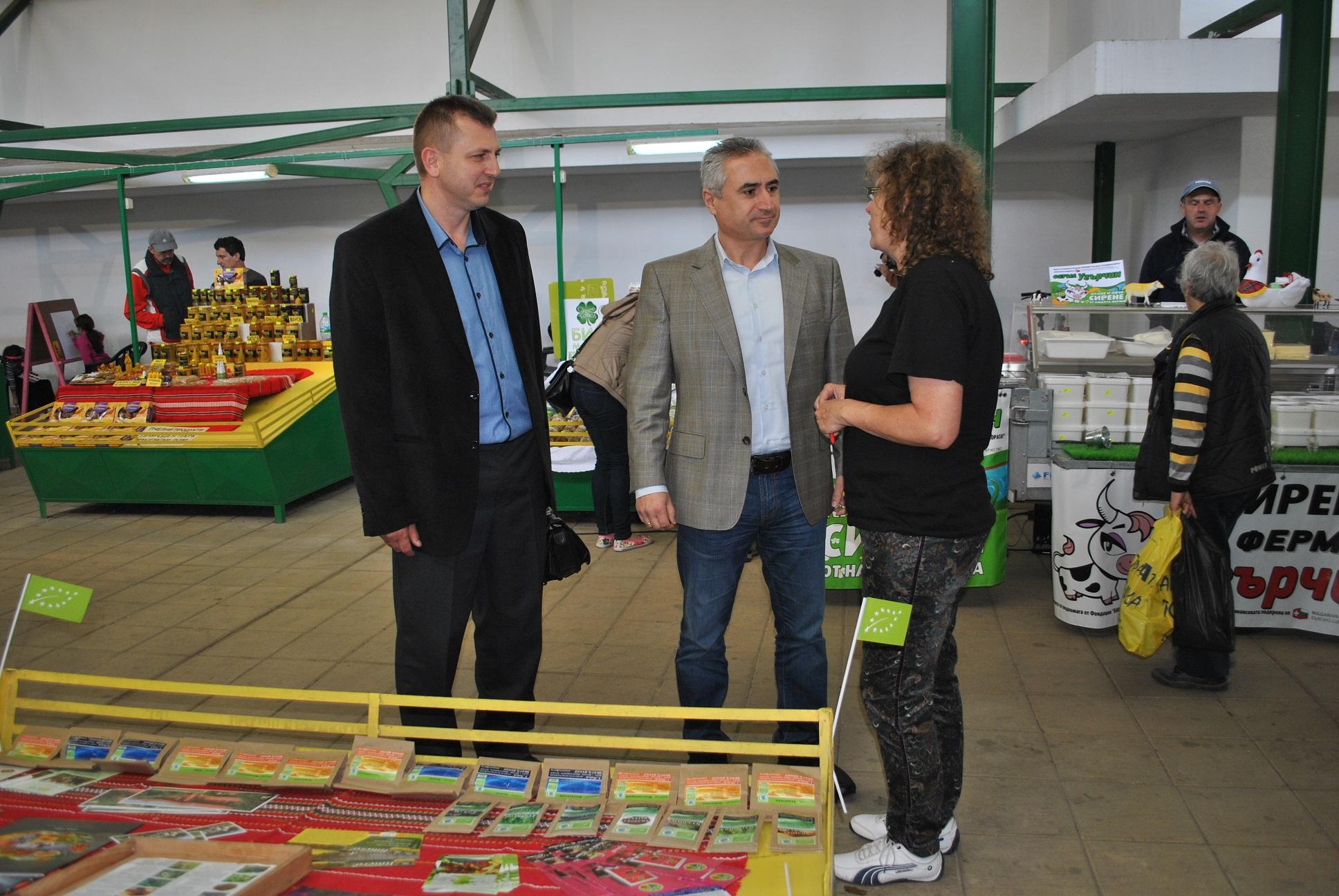 Photo of Стотици любители на био продуктите посетиха Великденски празничен пазар