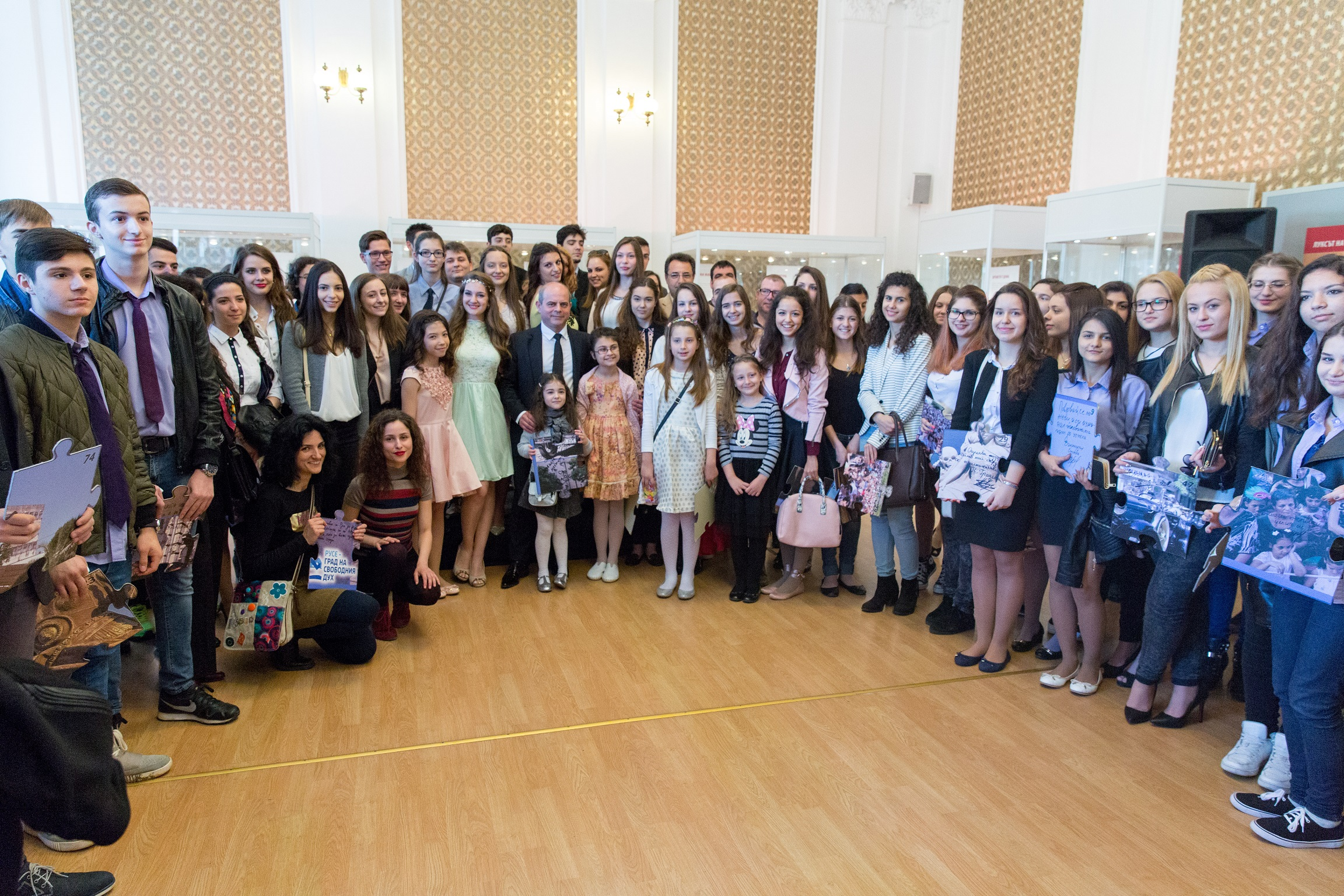 Photo of Младите посланици на Русе – отличени на празника на града