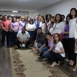 Държавни служители в бяло и лилаво съпричастни с онкоболните
