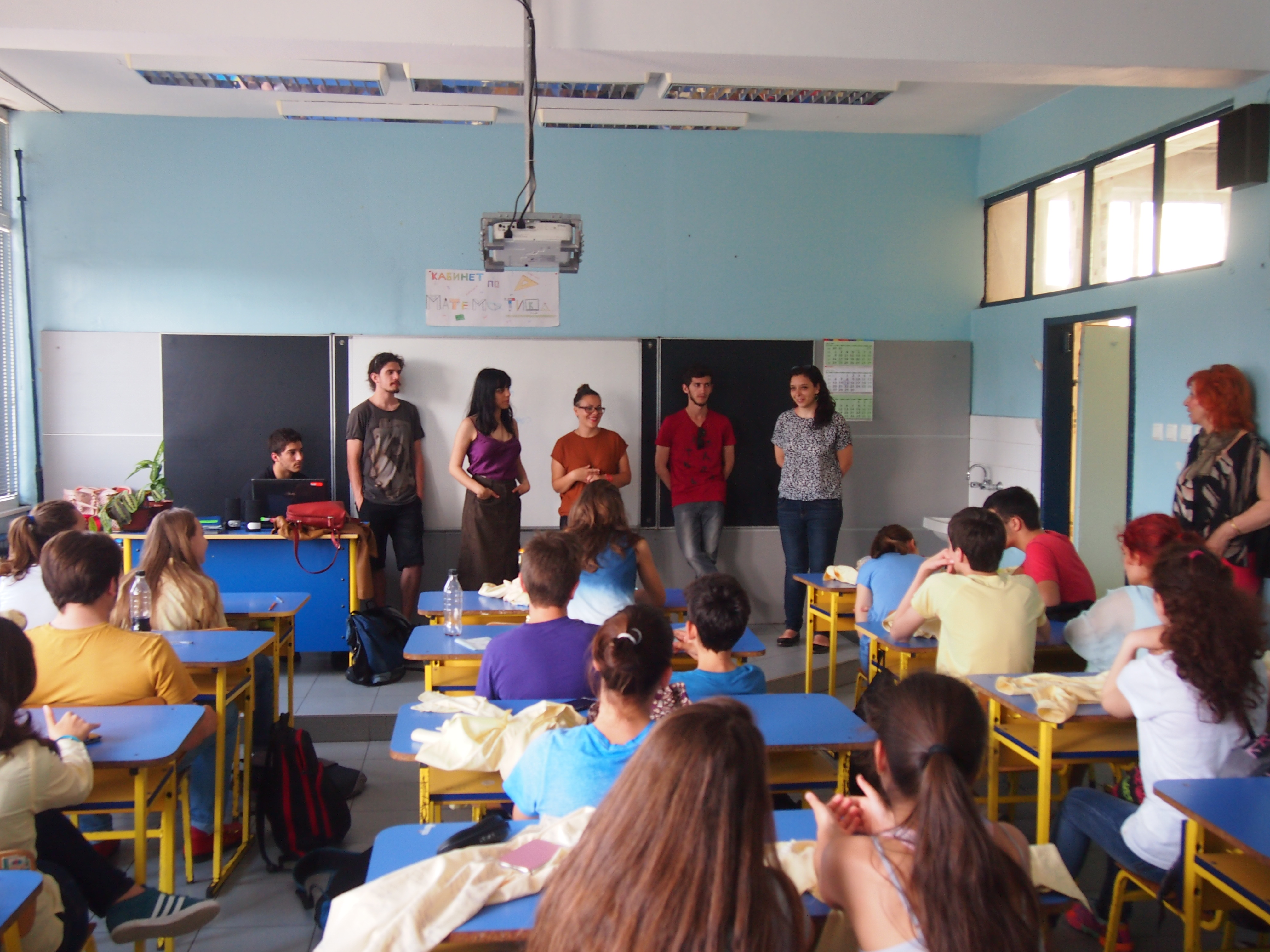 Photo of Доброволци от 5 държави разказаха за Карнавала в своите страни