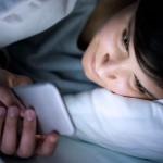 Временна загуба на зрението при четене от смартфони на тъмно