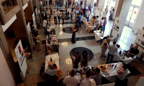 """""""Blue & Wine Expo"""""""