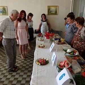 Здравословно салатено парти си спретнаха в Ценово