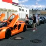 Sin R1 конкурира Ферари и Ламборгини в звезден парад за суперавтомобили