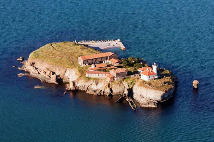 Photo of Островът на прочутата лечителка Света Анастасия забулен в тайни и мистерии