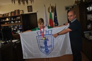 Шампионът по математика се срещна с кмета Стоилов