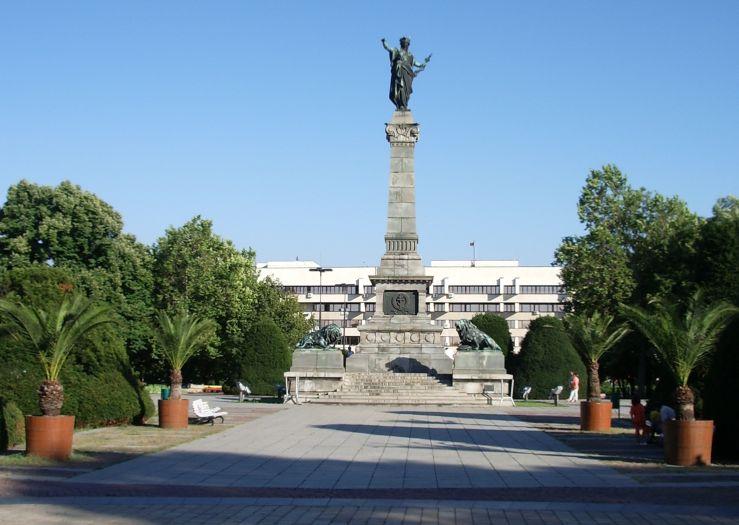 Кметът Пламен Стоилов декларира, че няма да допусне обгазяване на Русе, дори да се стигне до затваряне на предприятия