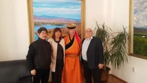 Д-р Панайотов /вдясно/ посрещна гостът от Монголия