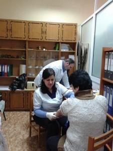 Над четирдесет члена на организацията на слепите в Русе си направиха безплатен кръвен тест за диабет,
