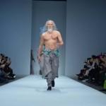Дядо-манекен показа какво е здрав дух в здраво тяло