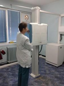 Ако резултатите от анкетата показват повишена опасност от туберкулоза, лекарят назначава рентгеново изследване, което се прави в поликлиниката на белодробната болница