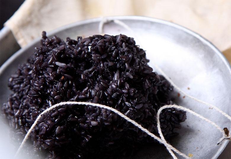 Черен ориз - по-полезен от белия и кафявия.