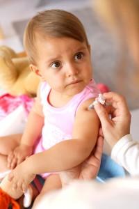 Здравното министерство актуализира списъка със задължителните ваксини и реимунизации.