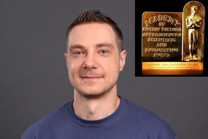 . Койлазов е награден заради оригиналната си идея, проектиране и реализация на технологията V-Ray.
