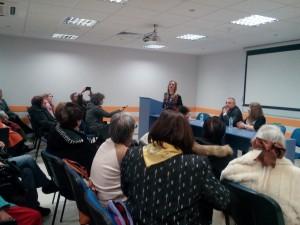 Нана Гладуиш пред онкологично болни пациенти вчера в Русе.