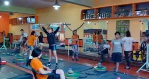 45 ученици усвояват първи стъпки в тежкоатлетическия спорт
