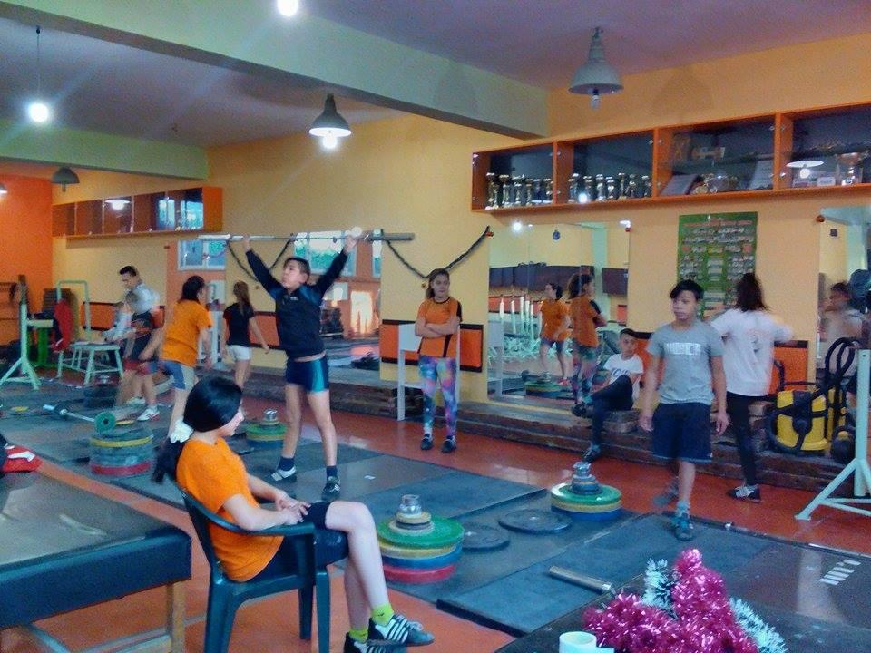 Photo of 45 ученици усвояват първи стъпки в тежкоатлетическия спорт