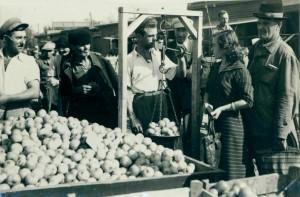 Фотографска изложба представя пазарите от миналото до днес