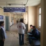 """Доброволки закичиха пациентите и персонала на  Лечебни заведения """"Медика"""" с мартеници"""
