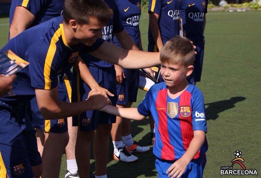 Photo of Родители: В Campus Barcelona децата заживяват с магията на Меси