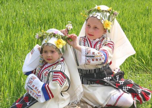 Photo of Пъстри, пролетни и момински – Лазаровден и Цветница