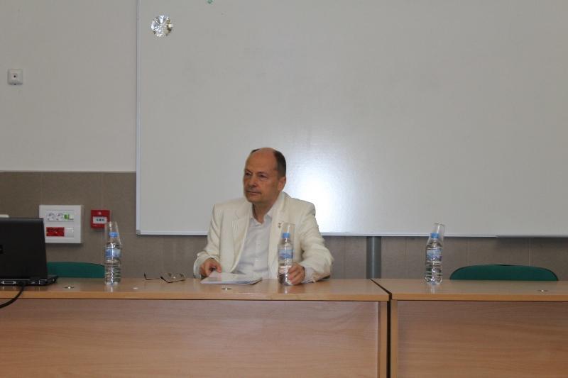 Photo of Проф. Цекомир Воденичаров: Нужна е дълбока реформа в здравеопазването ни