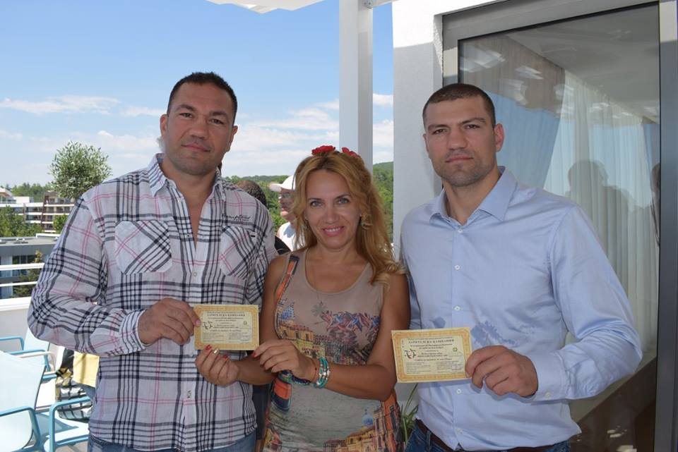 Photo of Трима шампиони подкрепиха събора на българите край могилата на Кубрат в Украйна