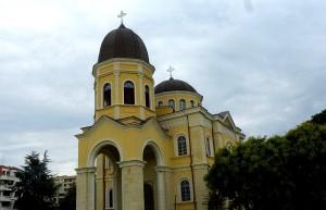 Новият храм получи 8 камбани, дарени от руския патриарх Кирил.