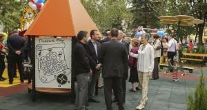 """""""Пирогов"""" е с нова детска площадка в двора на болницата"""