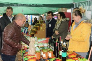 Русенският градоначалник също си напазарува