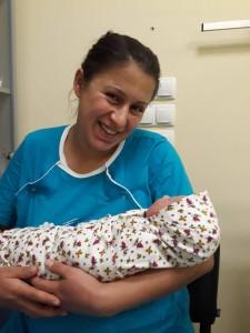 В отделение по Акушерство с дейност по Неонатология към УМБАЛ Медика се роди стотното за болницата бебе.
